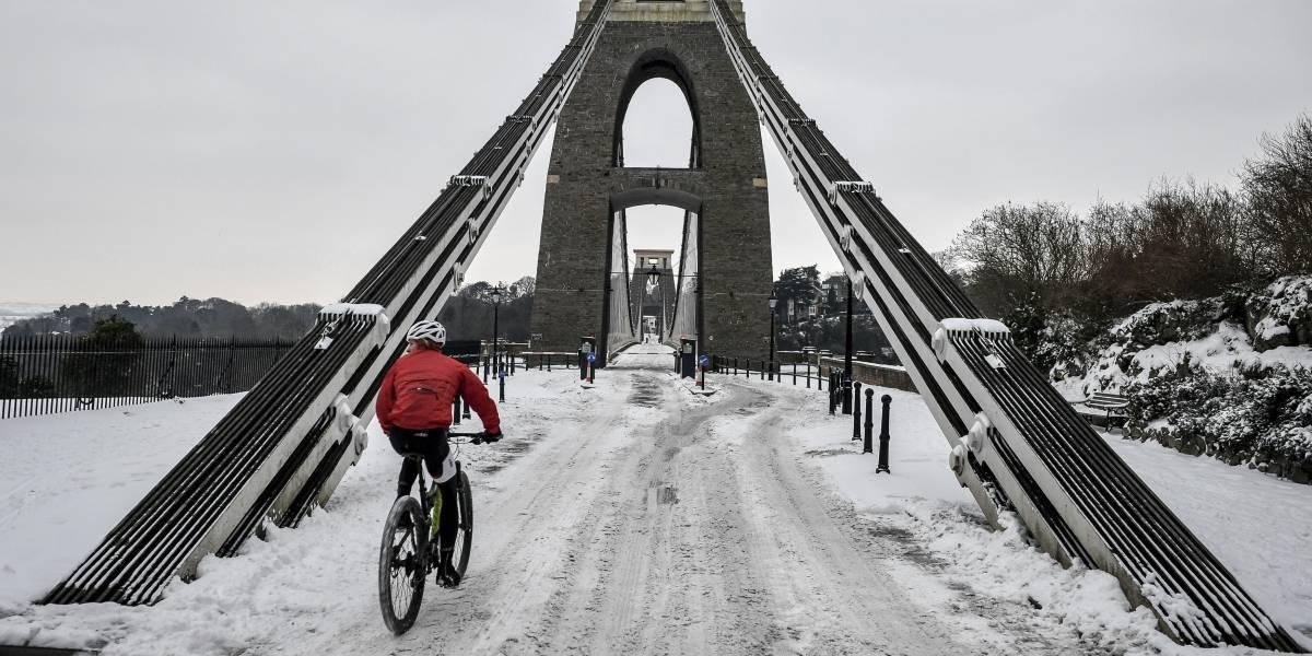 Londres moviliza al ejército para combatir ola de frío