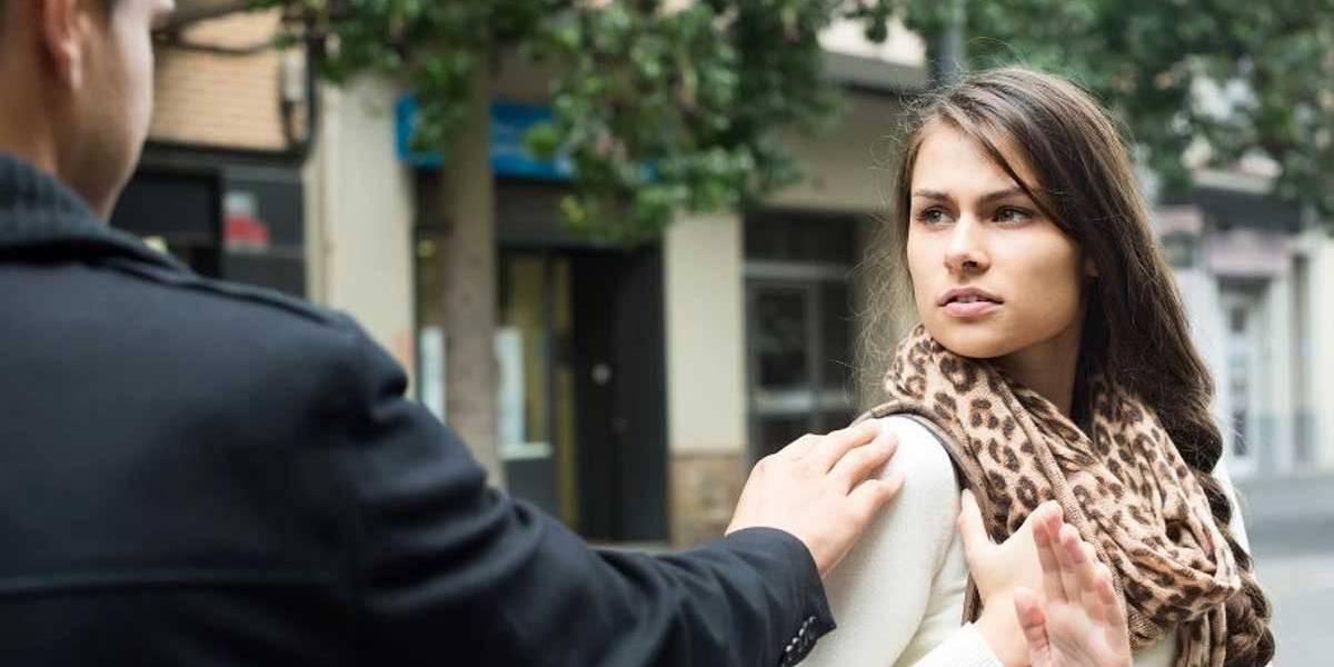 França estuda multas de até 350 euros contra cantadas de rua