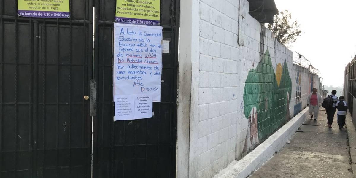 Luto en escuela de Ciudad Satélite por muerte de dos estudiantes y una maestra