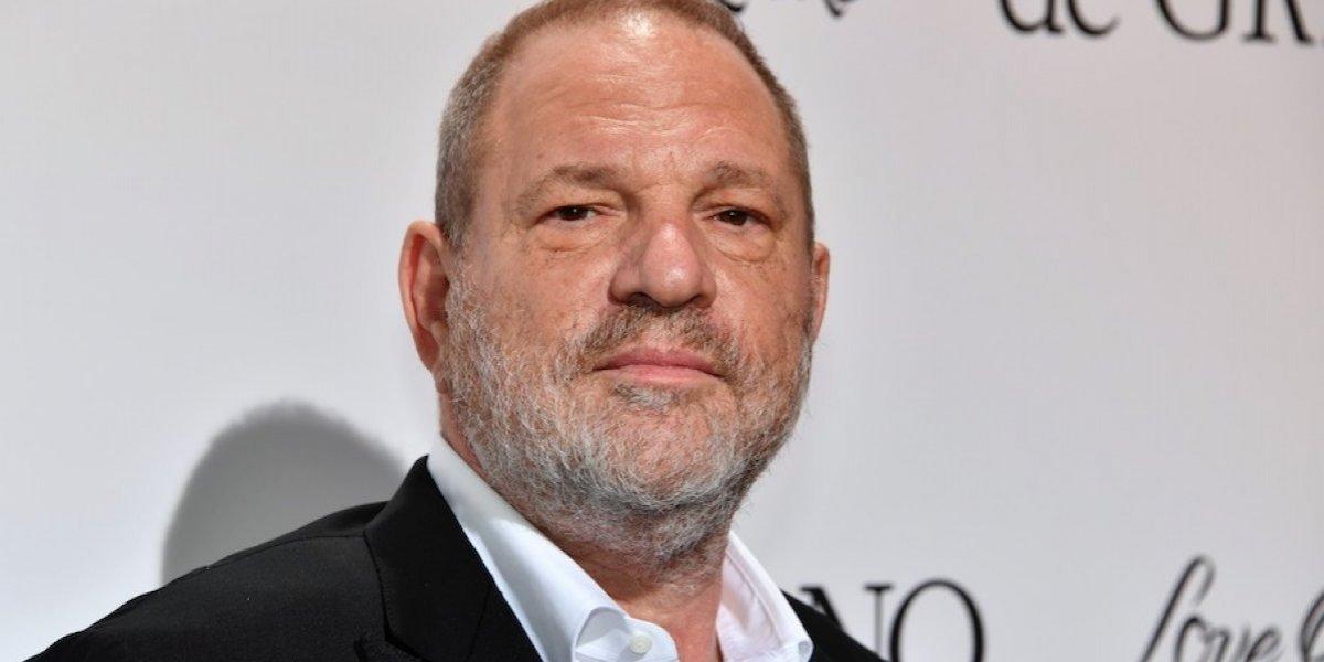 Una inusual estatua en contra de Harvey Weinstein genera polémica en las redes