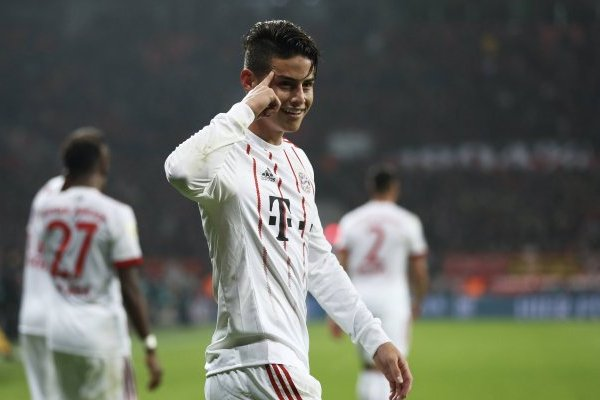 Bayern compra James
