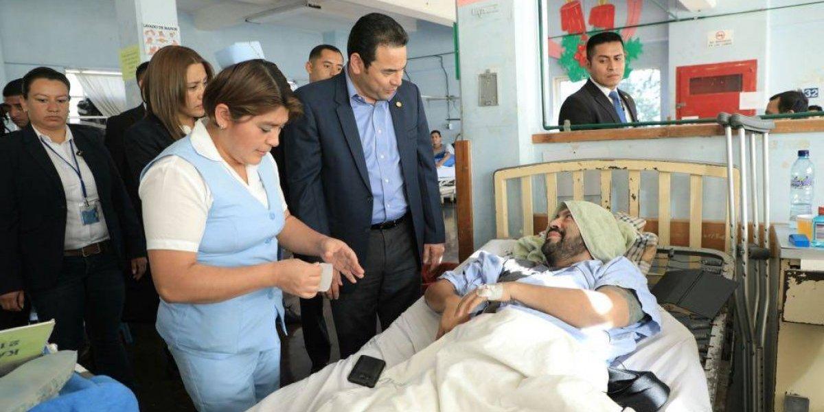 Presidente visita a las víctimas del accidente en la ruta Interamericana