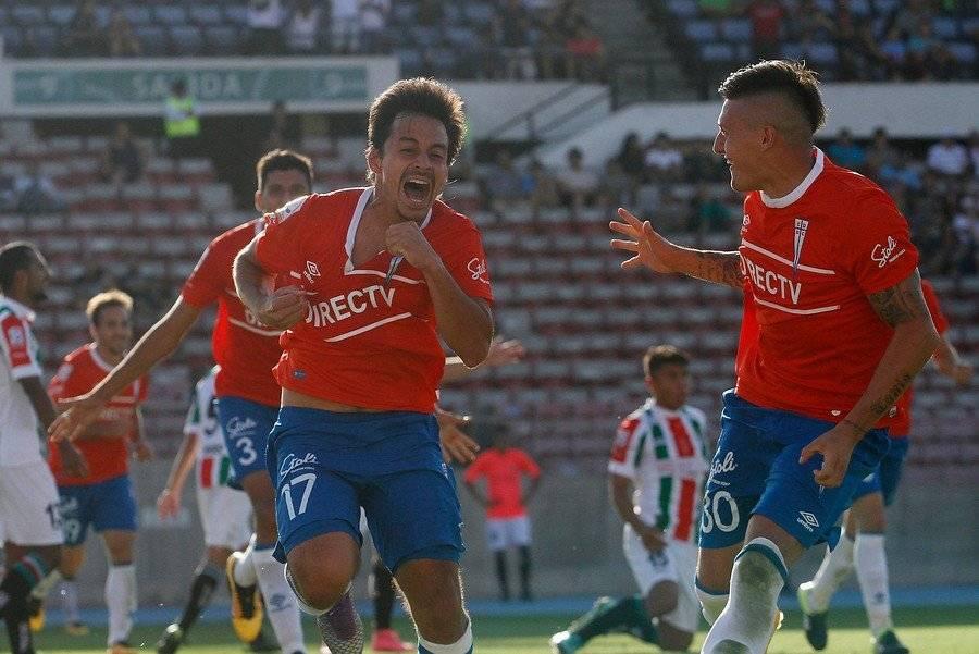 Grito de un gol clave. Espinosa marcó el tanto del 1-0 de la UC sobre Palestino el 19 de marzo de 2016 / Foto: Photosport
