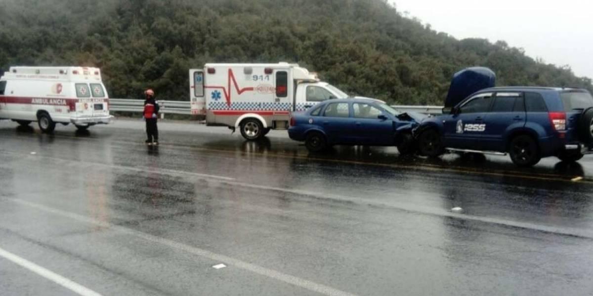 Cinco personas heridas tras accidente en vía a Papallacta