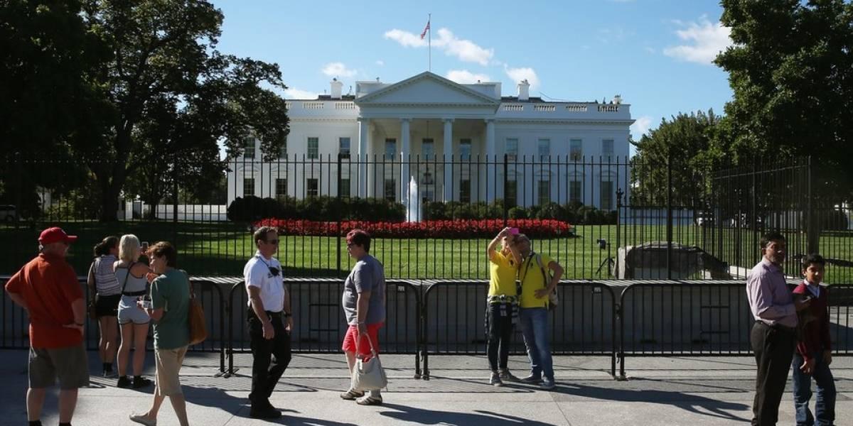 Arrestan a una persona fuera de la Casa Blanca