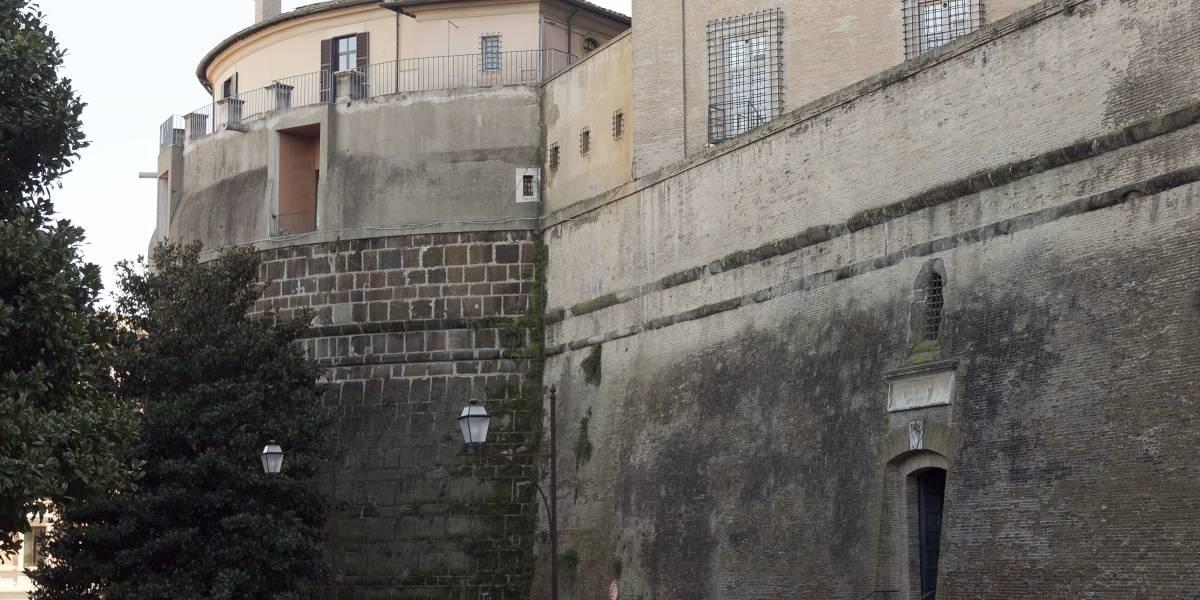 El Vaticano acusa al exdirector de su banco de malversación
