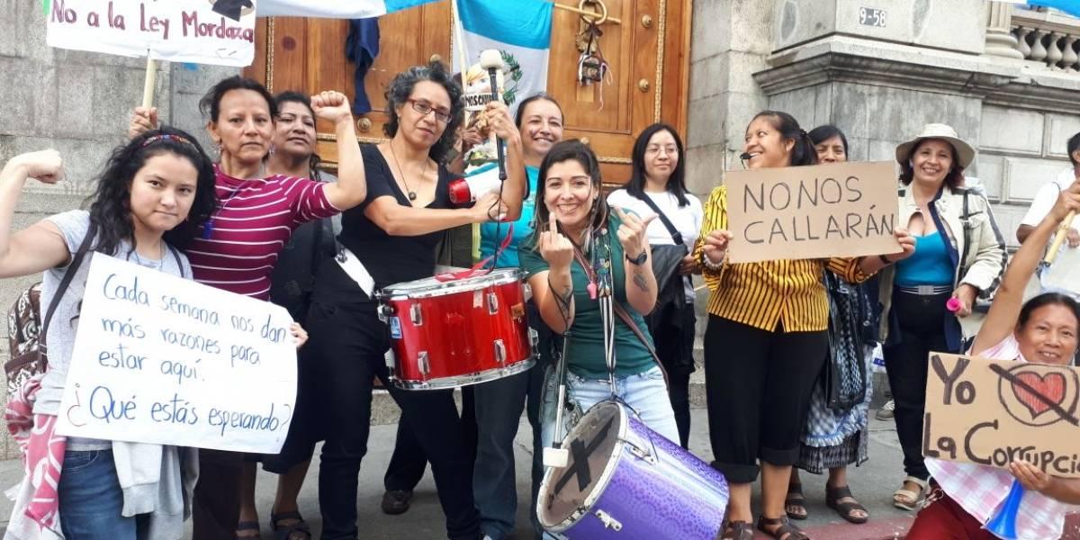 """Manifiestan frente al Congreso contra la """"Ley Mordaza"""""""
