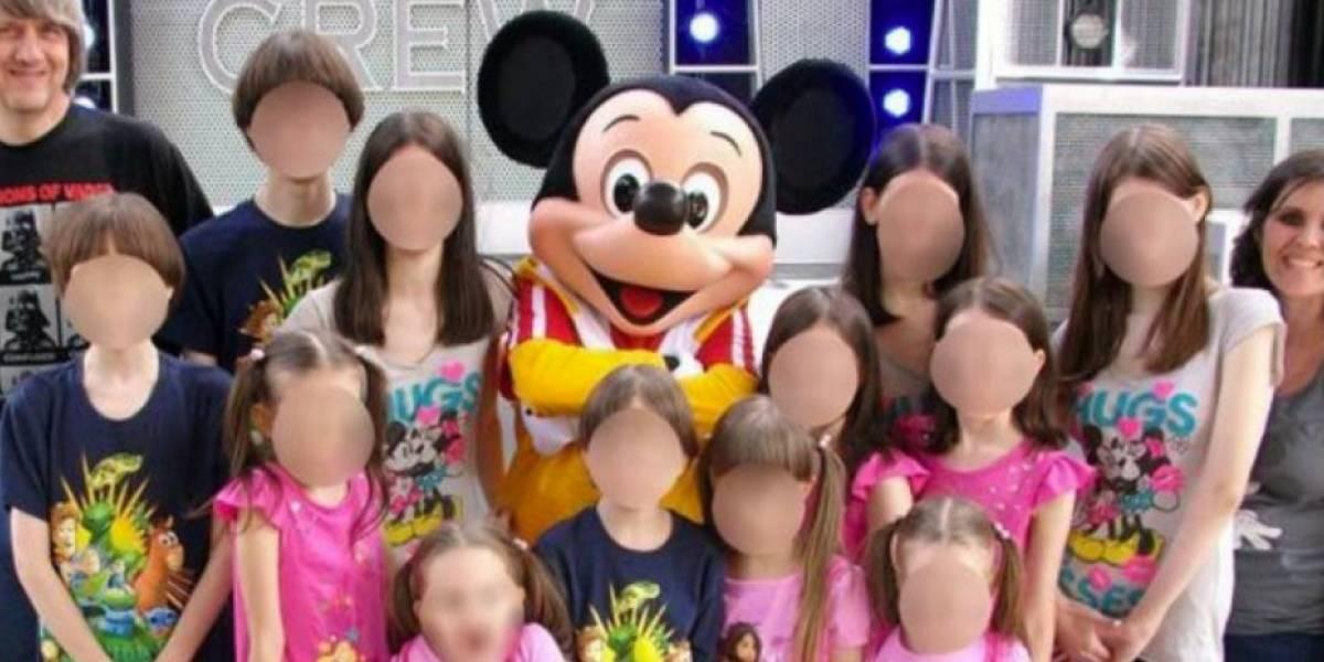 """""""Mis hermanos están encadenados"""": la cruda llamada al 911 de la joven que escapó de la """"casa de los horrores"""" de los Turpin"""