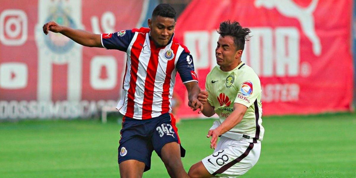 Chivas inicia con el pie derecho y se lleva dos Clásicos Nacionales