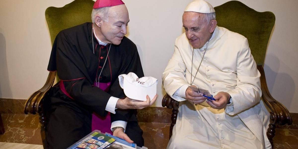 Papa recibe por primera vez en Vaticano al nuevo arzobispo de México