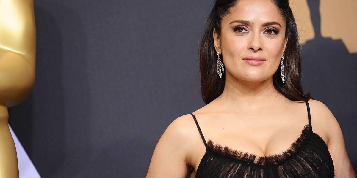 Salma Hayek protagoniza memes por su extravagante vestido en los Oscar — Twitter