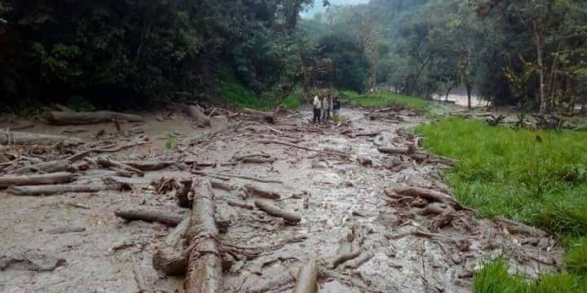Una persona fallecida tras deslizamiento de tierra en Sardinas, cantón el Chaco