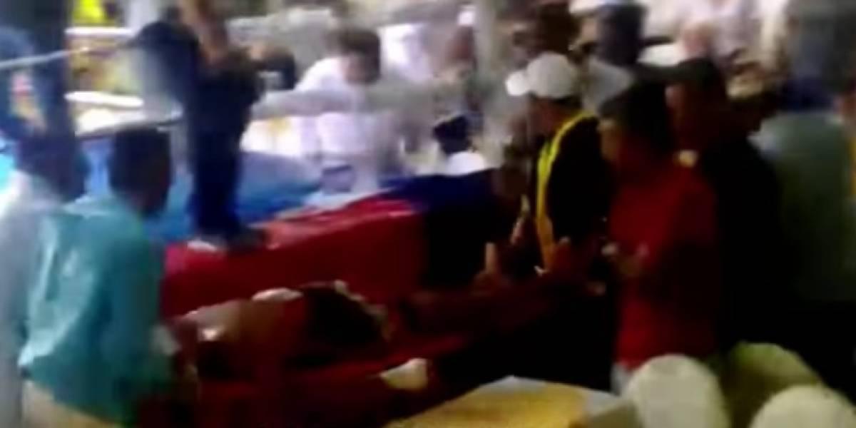 VIDEO: Boxeador se debate entre la vida y la muerte tras ser noqueado