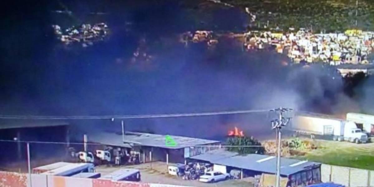 Incendio consume al menos 24 automóviles de lujo en Hidalgo