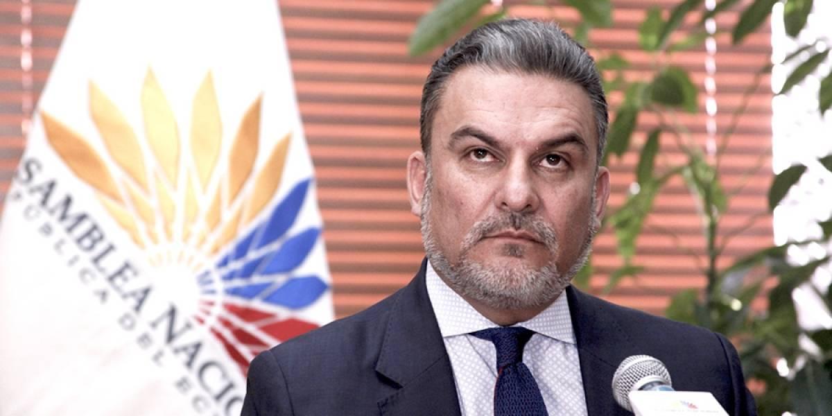 José Serrano llamado por Comisión de Ética de AP