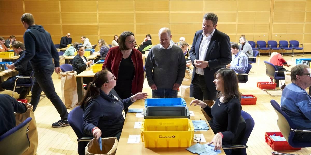 Partido de Merkel logra acuerdo para formar nuevo gobierno en Alemania