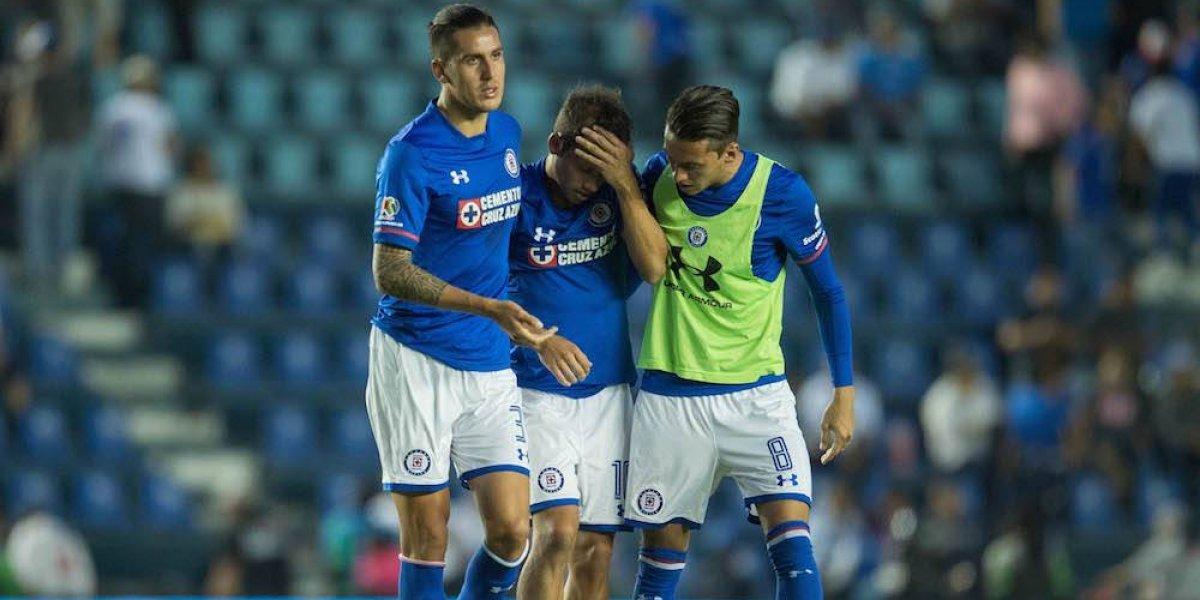 Adrián Aldrete llora desconsolado tras nueva derrota de Cruz Azul
