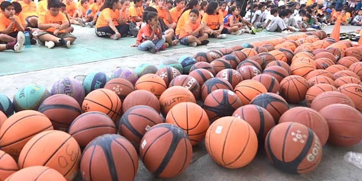 2 000 niños beneficiados con implementos deportivos