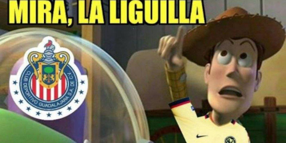 ¡No podían faltar! Los memes no perdonan a Chivas y América tras el empate