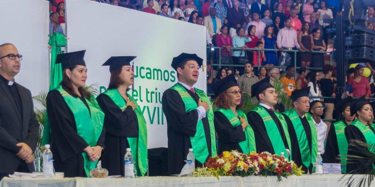 Universidad Central del Este gradúa 384 nuevos profesionales