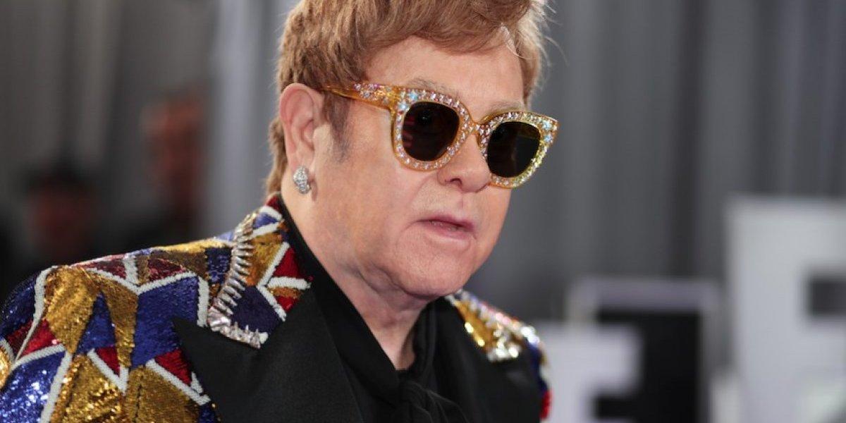 Fan le falta el respeto a Elton John y lo hace abandonar su propio concierto