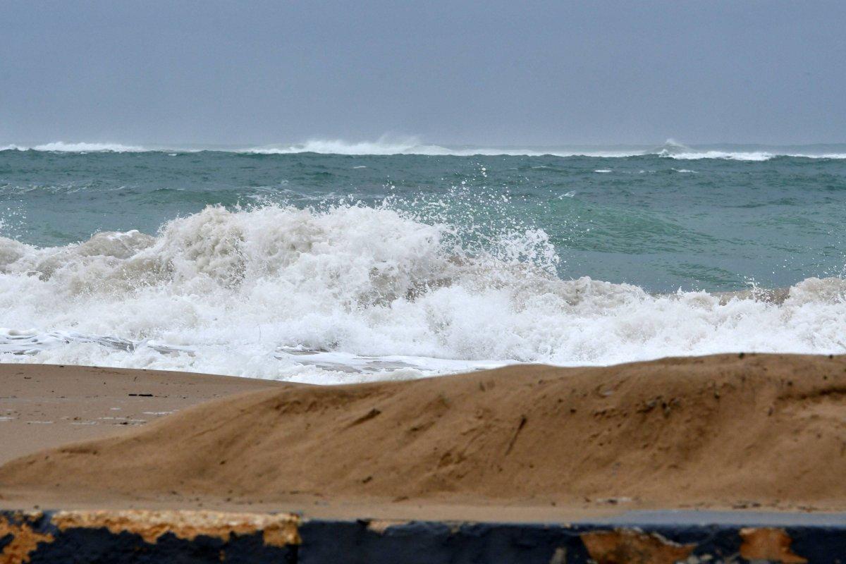 Dennis A. Jones/ Metro P. R./ archivo Foto: Las olas rompen fuerte en la playa Último Trolley en San Juan/Dennis A. Jones/Metro PR