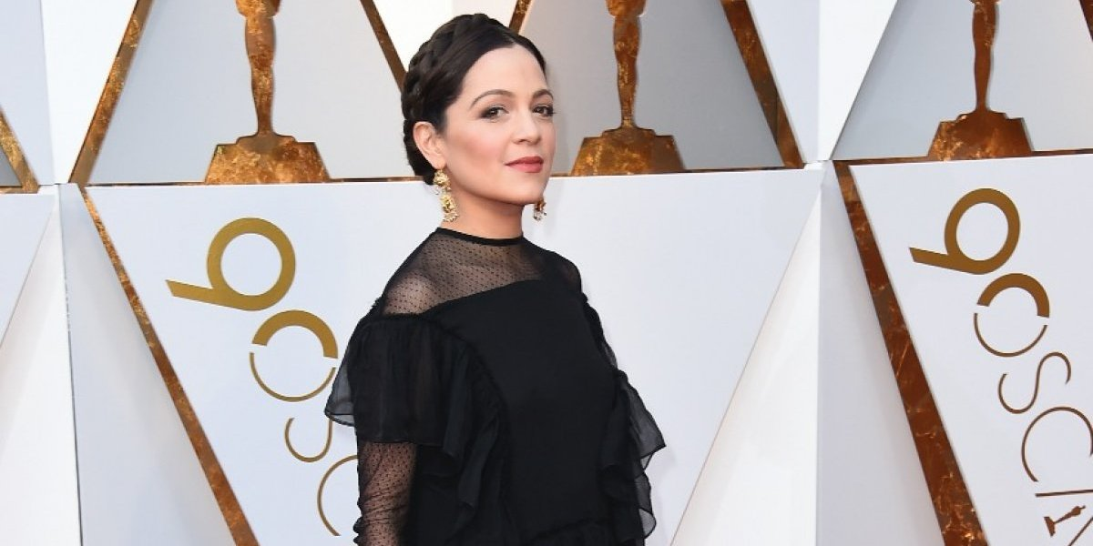Natalia Lafourcade dio detalles de su vestido en los Premios Oscar 2018