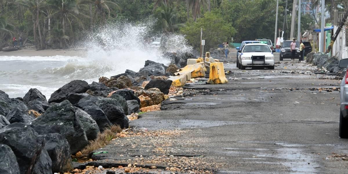 [Fotos] Así ruge la potente marejada que está sintiendo la isla