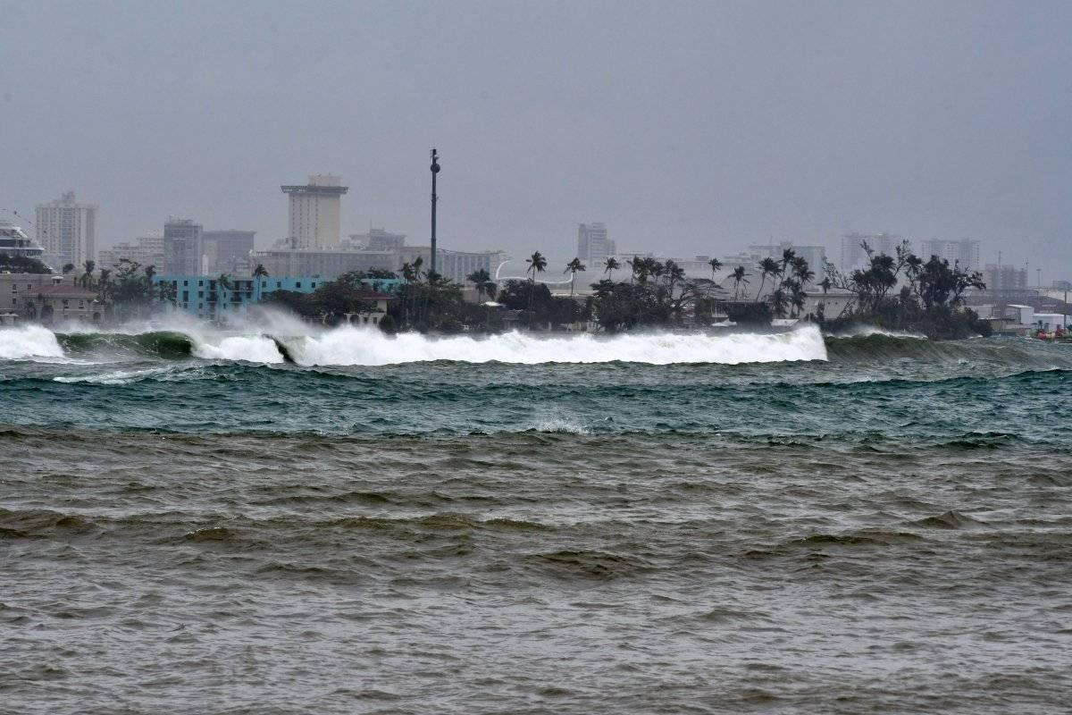 Foto: De esta manera se comportaban las aguas cerca de la playa de Palo Seco en Toa Baja/Dennis A. Jones/Metro PR