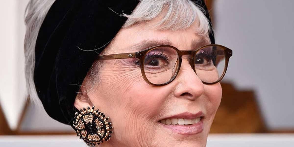 Oscar 2018: Rita Moreno repete vestido que usou em 1962, quando ganhou prêmio de atriz coadjuvante