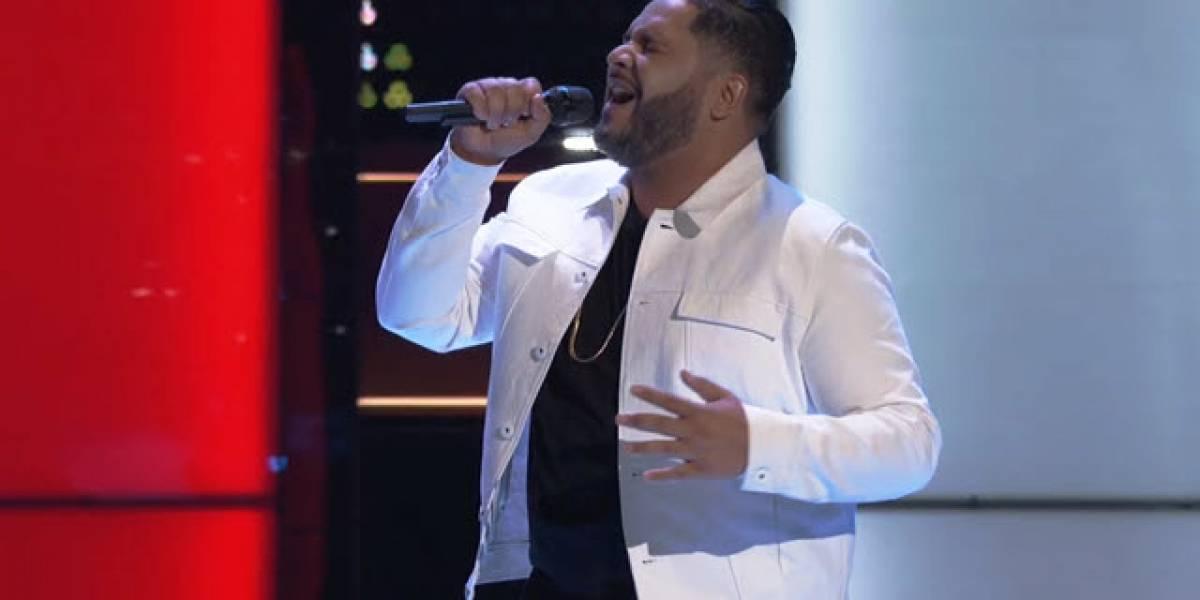 A Johnny Bliss no se le olvidó la letra cuando cantó Preciosa en The Voice