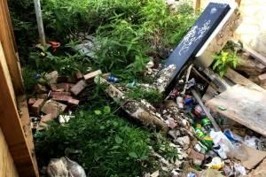 Exigen remoción de contenedor de basura en Santurce