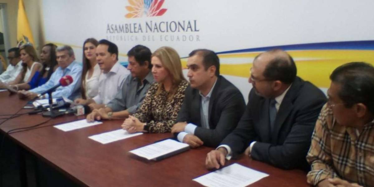 PSC acusa a Viviana Bonilla de ser clave en 'pacto' Lasso - Correa