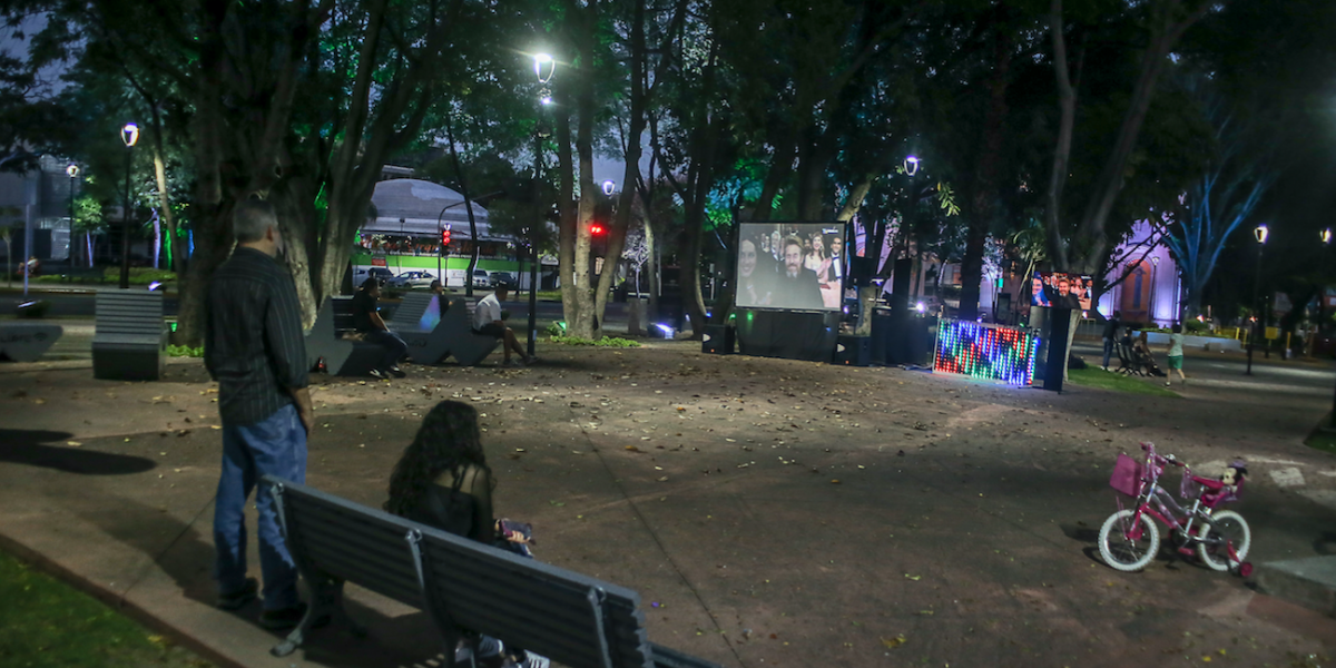 Tapatíos mesuran su apoyo a Del Toro en Guadalajara