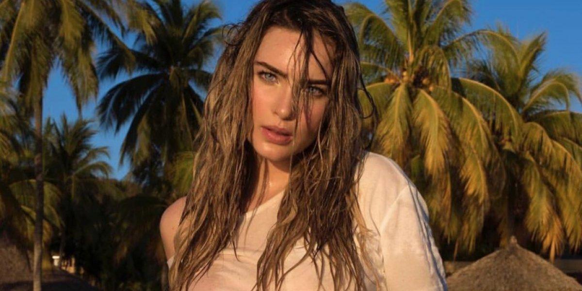 Belinda hace sexy 'topless' como protesta contra el acoso sexual
