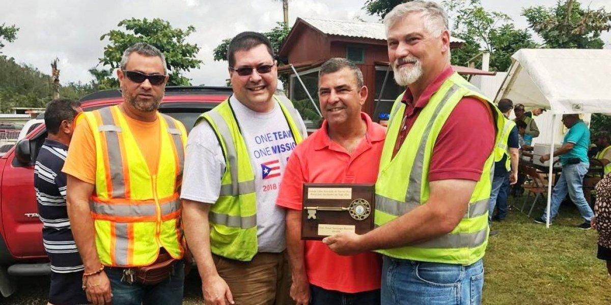 Vega Alta agradece a brigadas que laboran en la energización