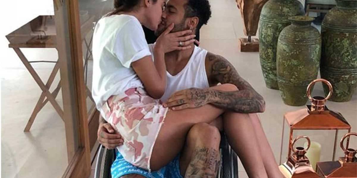 Bruna Marquezine ganha folga de novela para cuidar de Neymar