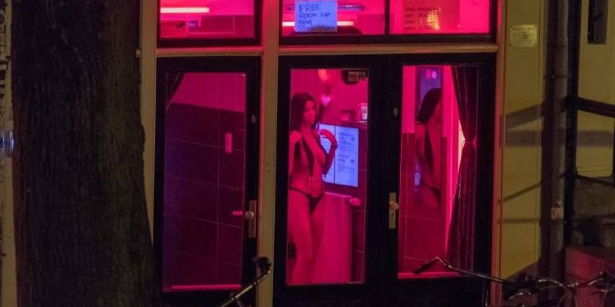 Bloguera ofrece sexo gratis a todos los que lleguen a su hotel