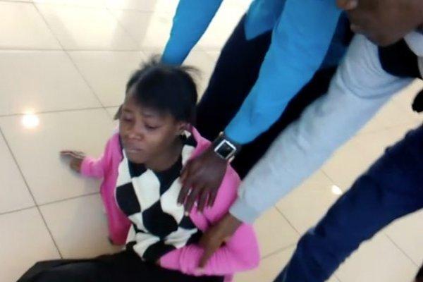 El drama de 62 haitianos que duermen en el aeropuerto