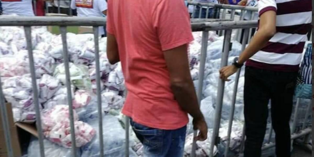 Denuncian que campaña de Vargas Lleras regaló mercados en Barranquilla