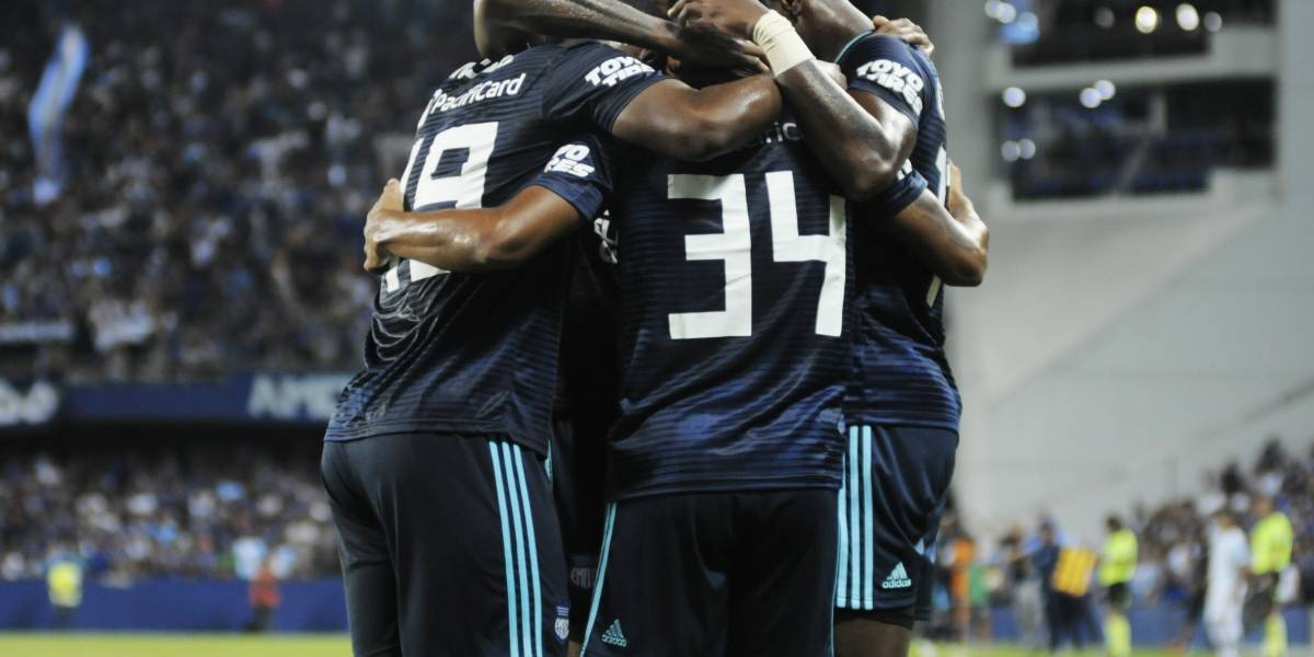 Emelec vence 3 a 0 a Guayaquil City