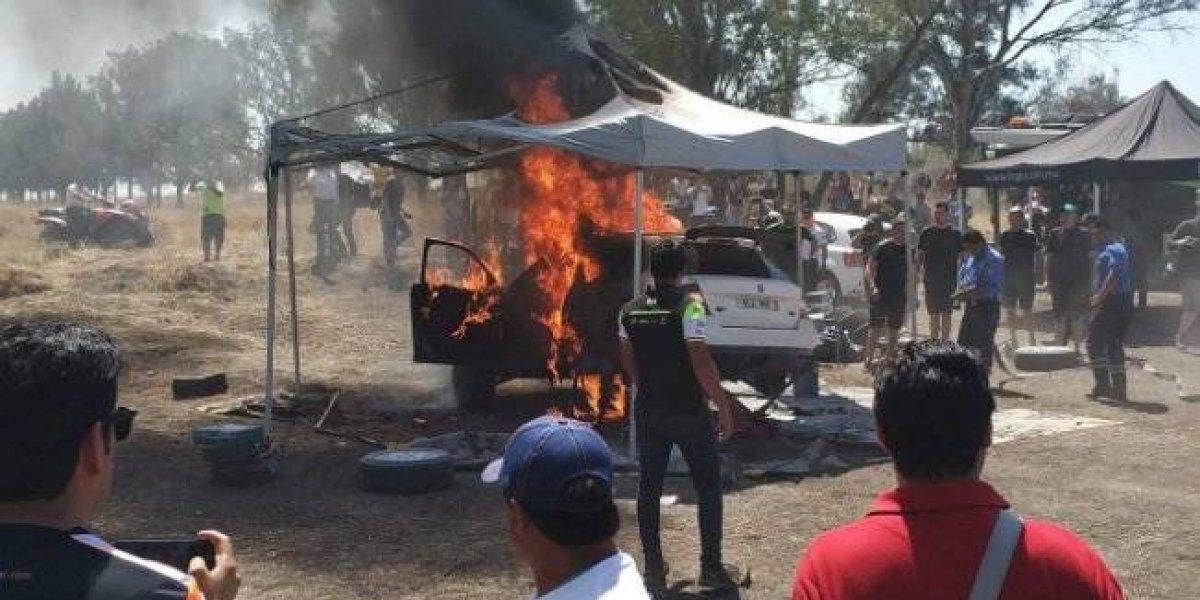 Carro de Benito Guerra se quema previo al Rally de México