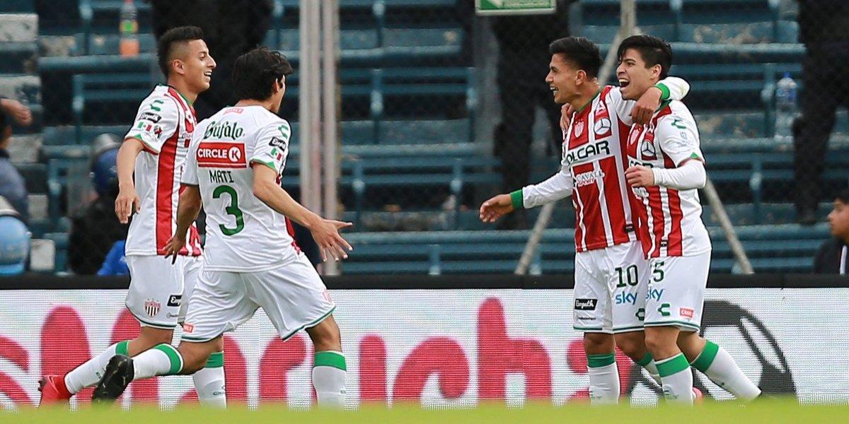 Víctor Dávila fue el único que celebró con un golazo en un fin de semana negro para los chilenos en México