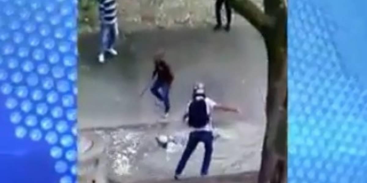 Ladrón se lanzó a un caño para evitar ser linchado
