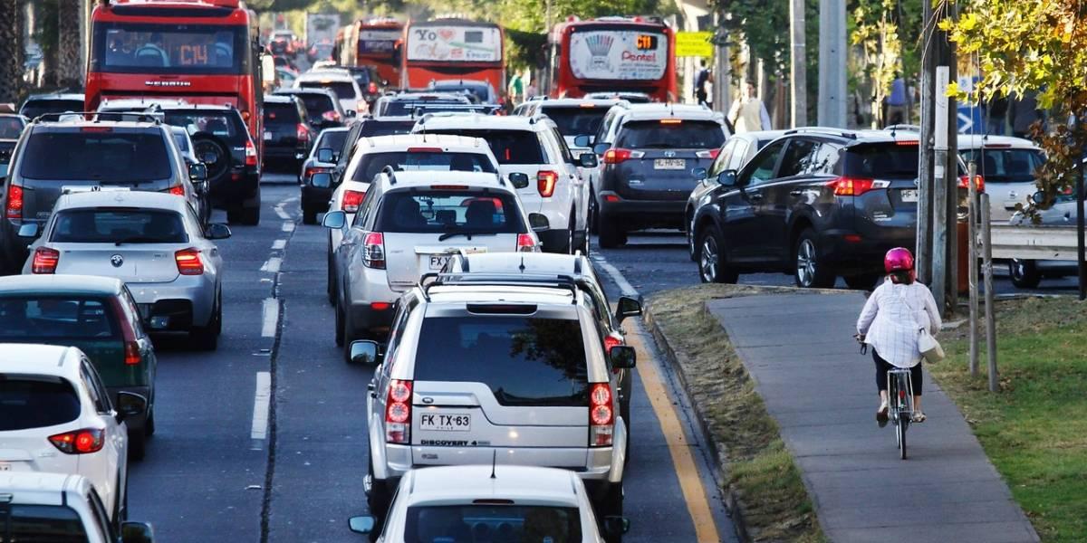 Súper lunes: 784.000 escolares a clases, 200.000 autos más y 123 puntos críticos