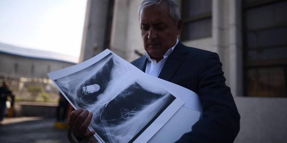 Abogado y juez Gálvez dan detalles de incidente cardiaco que sufrió Otto Pérez
