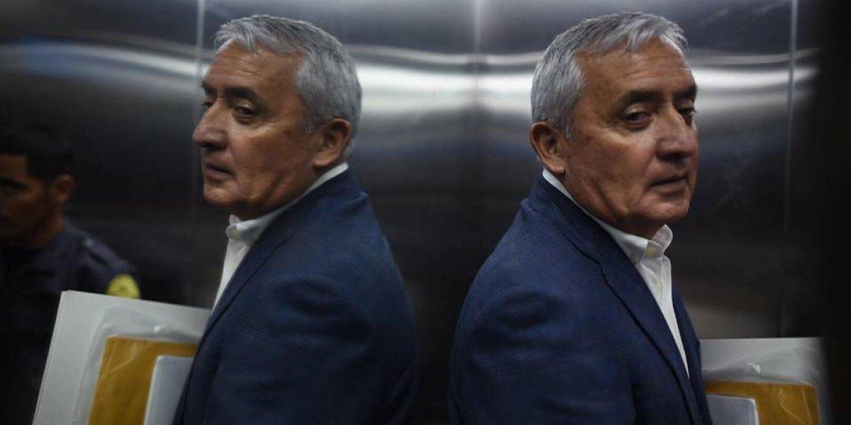 Defensa de Otto Pérez busca confirmar que en prisión haya médicos para atenderlo
