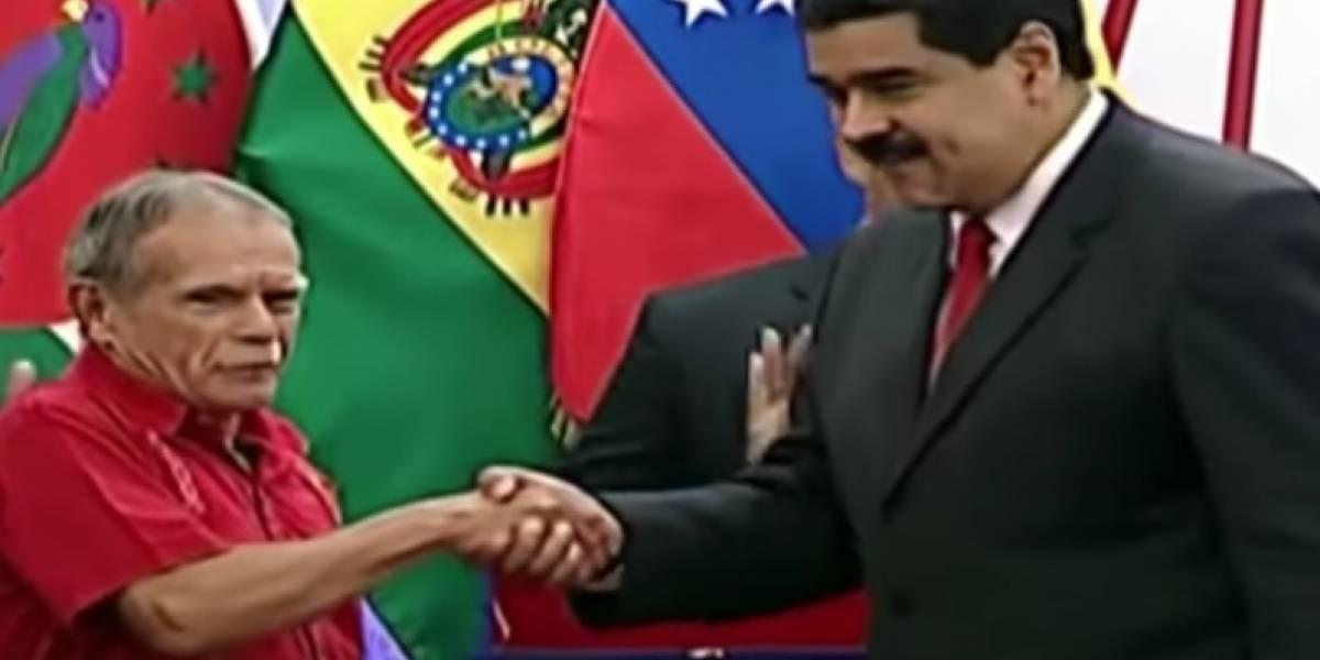 """Maduro entrega a Óscar López """"espada"""" de Simón Bolívar"""