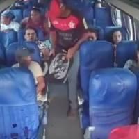 Brasil: Videos de asalto a bus se viralizan en redes