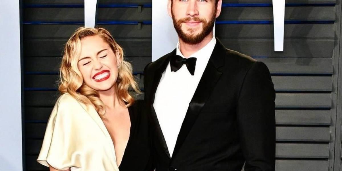Miley Cyrus y Liam Hemsworth reaparecen en una alfombra roja y derramar miel